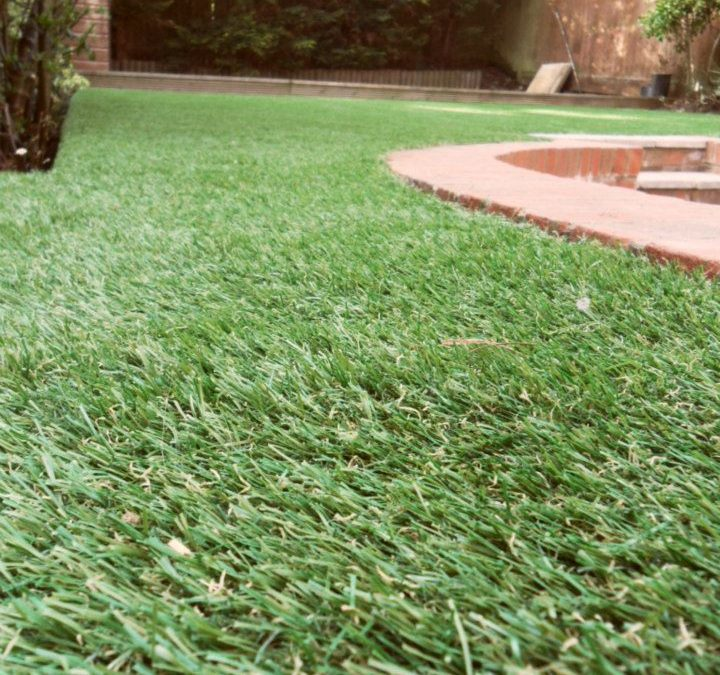 3 Hypoallergenic Qualities of Synthetic Grass in Tracy Every Homeowner Should Know